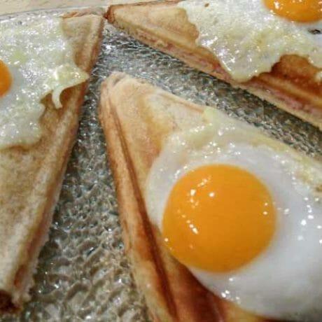 Croque-madame aux œufs de caille