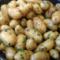 Pommes de terre primeurs sautées à l'ail et aux herbes