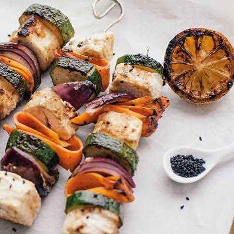 Brochettes de légumes et fêta