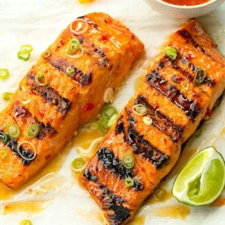 Saumon grillé au chili et à la lime
